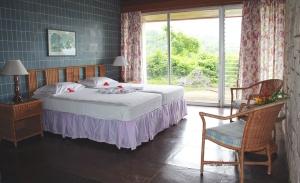 frenchmans-cove-3-bedroom-villa-02